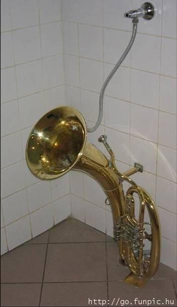 TOILETTE POUR MUSICIENS